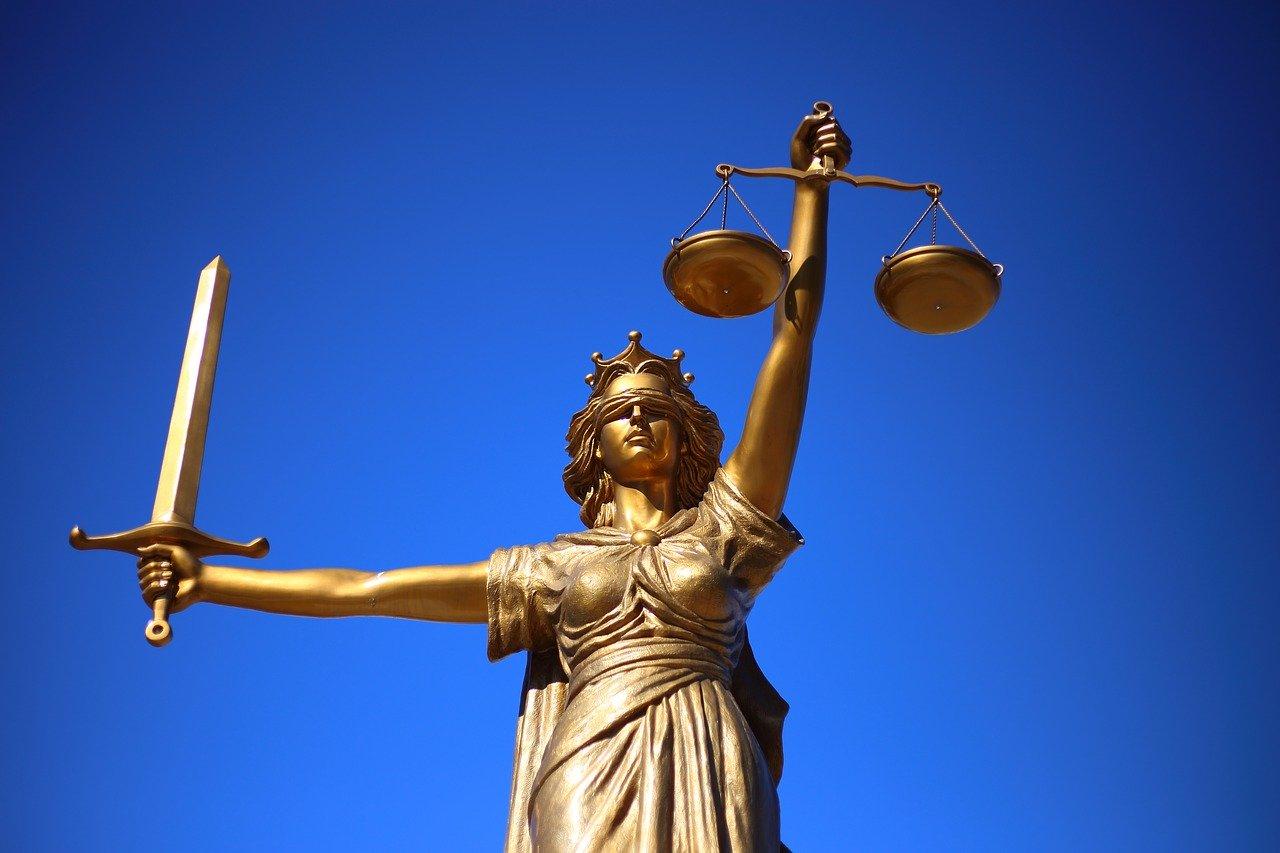 Korupcja w sądach – czy tłumacze przysięgli biorą łapówki?